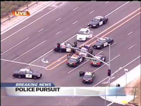 這個女駕駛在高速公路上衝撞警車逃跑,整整6分鐘的現場直播!