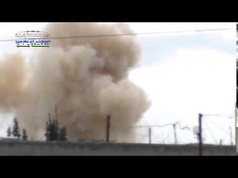 حماة الريف الشمالي الطيران المروحي يقصف بالبراميل المتفجرة مدينتي اللطامنة وكفرزيتا ومنذ الصباح وحتى الآن إثنا عشر برميلاً