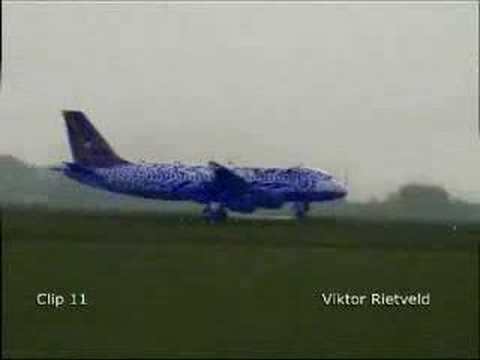 Funny Plane Landing FAKE