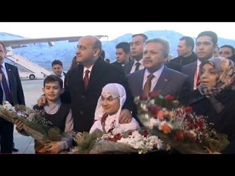 Τουρκία: έφτασαν οι πρώτοι επαναπατρισθέντες από την Ουκρανία