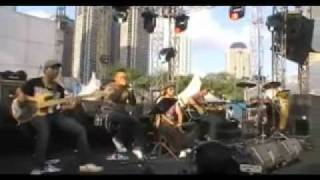 Viva La Vida - Coldplay (Mike's Acoustic Cover) at Telkomsel Langit Musik