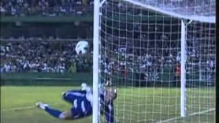Matéria do Globo Esporte SP com Thiago Leifert sobre a derrota do Palmeiras para o Coritiba por 6x0 pelo jogo de ída da Copa do Brasil 2011.