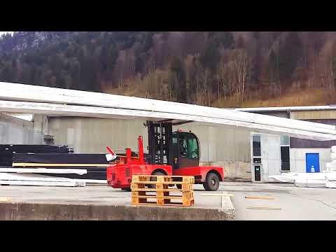 Mayr Melnhof fährt Bulmor Seitenstapler