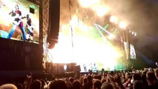 Jun 5, 2016 ... Iron Maiden The number of the Beast live at Rock in Vienna 2016 ... Iron Maiden - nBruce Talks about Nickos Birthday - Vienna - 05.06 2016...