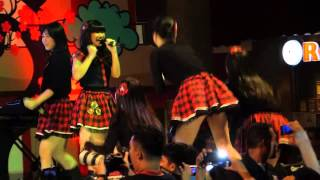 Video jkt48 Sutos surabaya  PART 2 - MELODY TEGUR PENONTON MP3, 3GP, MP4, WEBM, AVI, FLV Juli 2018