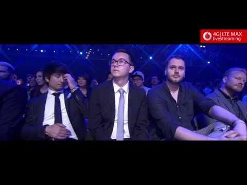 """Julien Bam gewinnt die Kategorie """"Person Of The Year Male"""" - Webvideopreis Deutschland 2016"""