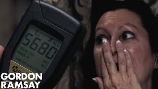 Video DISGUSTING Hygiene Makes Gordon Pull the Fire Alarm | Hotel Hell MP3, 3GP, MP4, WEBM, AVI, FLV November 2018