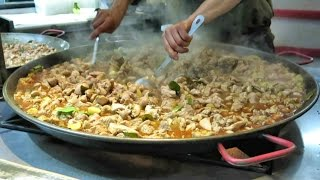 Video Preparing Malaysian Curry Chicken. London Street Food MP3, 3GP, MP4, WEBM, AVI, FLV Juli 2018