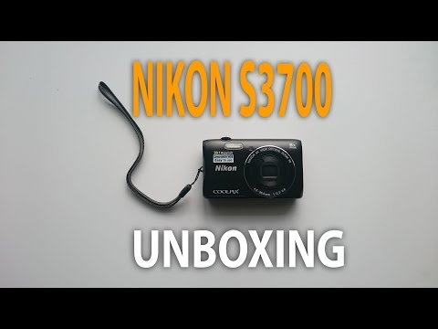 Unboxing the Nikon Coolpix S3700