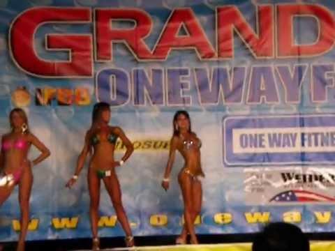 Azzurra Sansone @ Grand Prix OneWayFitness 2013   bikini