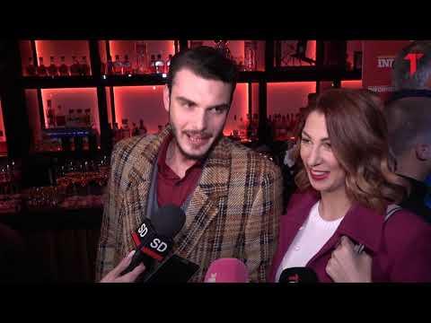 Nadežda Biljić pokazala trudnički stomak, Toma Panić je gleda zaljubljeno