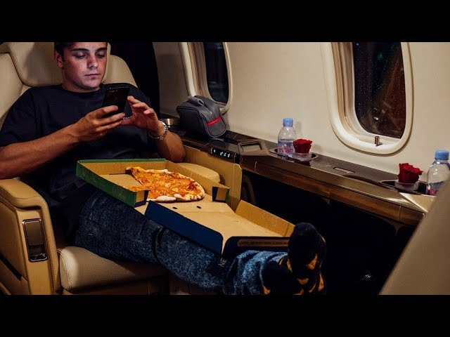 Martin Garrix - Pizza (Official Video)