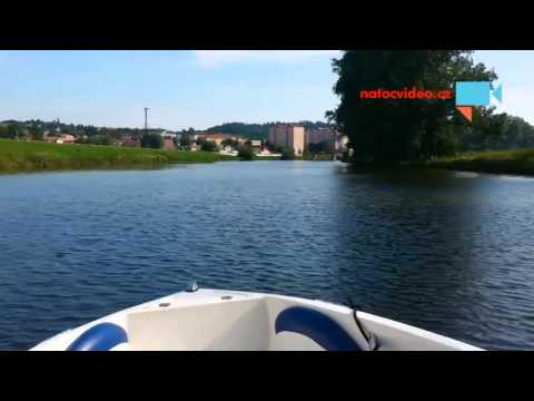 Baťův kanál na člunu
