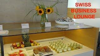 VIP SERVICE - Frisch zubereitetes Essen, warme Atmosphäre, große Ruhezonen, in der neuen Business Lounge am Airport...