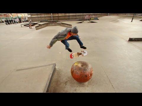 8 Tricks on the LES Skatepark Apple