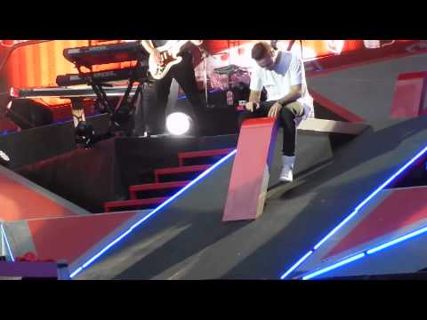 One Direction - Mamma Mia (ABBA cover) lyrics