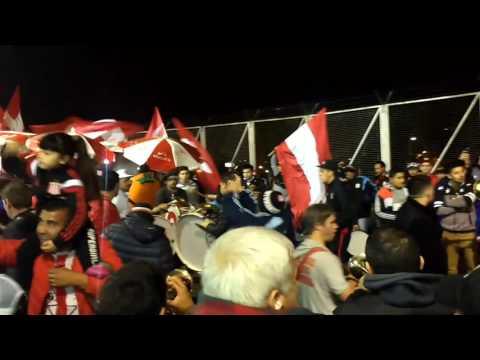 Previa de la hinchada pincha vs nacional de Potosí - Los Leales - Estudiantes de La Plata