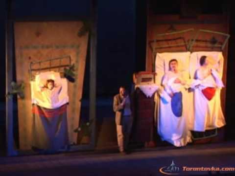 Театр Гешер - Момик