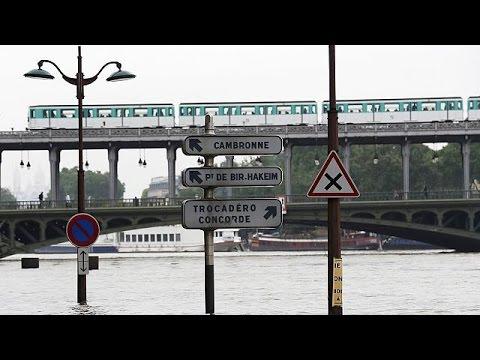 Γαλλία: Συναγερμός στο Παρίσι- Ξεπέρασε τα 6 μέτρα η στάθμη του Σηκουάνα