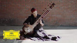 Anoushka Shankar vídeo clipe Land Of Gold (feat. Alev Lenz)