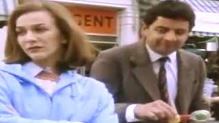 Mr Bean - Bus Stop, Lady and Pram -- Bushaltestelle, eine Dame und ein Kinderwagen