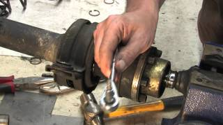 Video Driveshaft 103 - Replacing carrier bearings MP3, 3GP, MP4, WEBM, AVI, FLV Agustus 2018