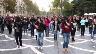 Video MADAGASCAR Flashmob in Baku   FLASHMOB Azerbaijan   Танец на улицах Баку MP3, 3GP, MP4, WEBM, AVI, FLV Januari 2019