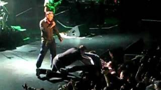 Morrissey - Encore - The Shrine - 11/26/2011 (Crazy fans!!)