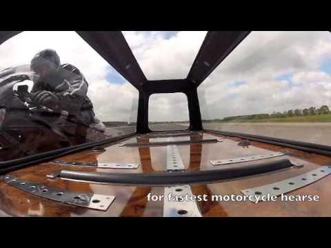 Vídeos de '¡¡¡Récord del mundo en moto fúnebre!!!'