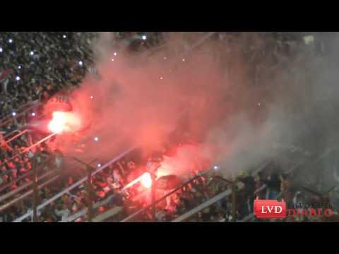 (HD) Bengalas en la popular roja // Hinchada de Independiente vs Dep. Español - La Barra del Rojo - Independiente - Argentina - América del Sur