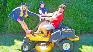 Video The Lawnmower pretend play kids video skit MP3, 3GP, MP4, WEBM, AVI, FLV Juli 2018