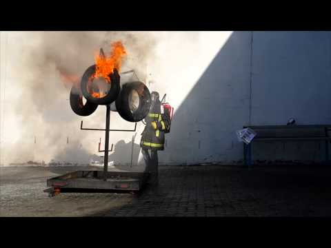 Kellys second fire extinguishing attempt: BacPac + 4 tyres