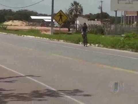 Colisão carro com moto deixa gestante ferida em Parnaíba