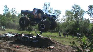 Monster truck action LIKE SHARE AND SUBSCRIBE
