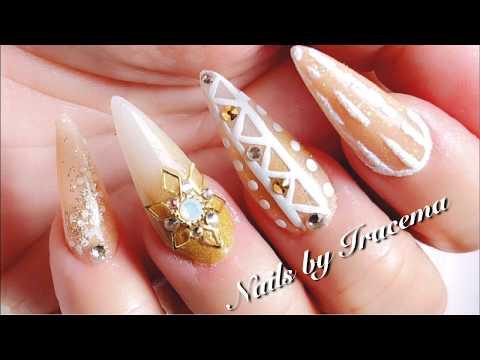 Uñas acrilicas - Uñas acrílicas nude dorado y blanco con efecto velvet y azucar