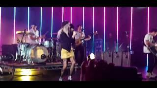 download lagu download musik download mp3 Paramore - Hard Times live @ Royal Albert Hall,London 2017