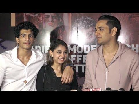 Video Vikas Gupta And Niti Taylor At Palash Muchhal Birthday Party 2018 download in MP3, 3GP, MP4, WEBM, AVI, FLV January 2017