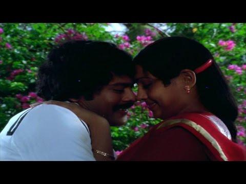 Prema Tarangalu Movie || Naa Hrudayam Video Song || Krishnam Raju, Jayasudha, Chiranjeevi