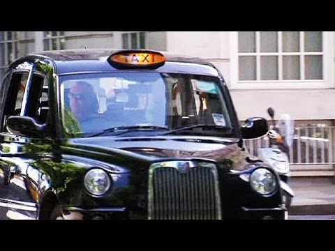 Μαύρα ταξί εναντίον οικολογικών ταξί στο Λονδίνο – economy