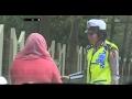 Download Lagu Mengaku Punya Keluarga Jaksa, Ibu ini Mengadu Saat Akan Ditilang - 86 Mp3 Free