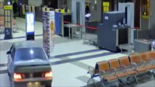 Szybki i Wściekły Benny Hill na rosyjskim lotnisku