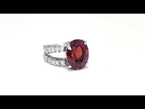 Garnet Ring from Kaufmann de Suisse