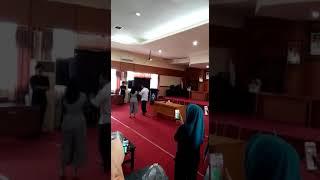 Video Selfi menghibur pegawai di kantor bupati Soppeng setelah kemenangan DAA4 MP3, 3GP, MP4, WEBM, AVI, FLV Januari 2019