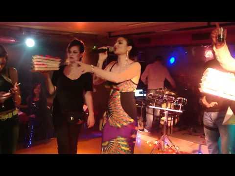Софи Маринова - Защо няма радост 24.11.2011 ChakaRaka BG live - Athens