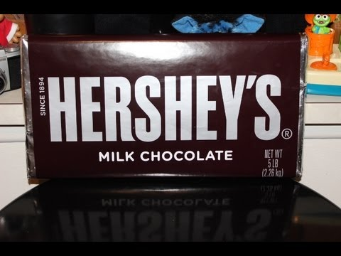 Hershey - A REVIEW OF THE WORLDS LARGEST HERSHEY'S BAR SNICKERS AND REESE'S PEANUT BUTTER CUP ONOURSHELF http://www.youtube.com/user/onourshelf https://twitter.com/ono...