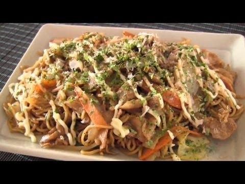 Japanese Recipe: How to Make Yakisoba from Leftovers – 焼きそばの作り方 (レシピ)
