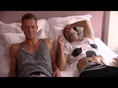 荷蘭2壯男真實體驗分娩痛苦 撐不到2小時就崩潰