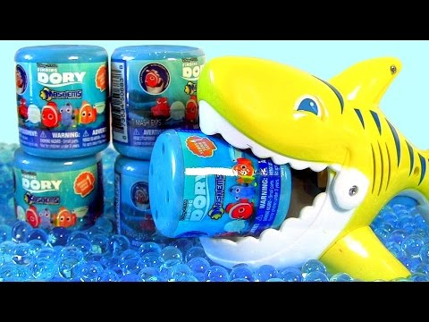 Video: Mashems Toys Disney Finding Dory Fashems Squishy Toys ~ Hank Swimming Underwater in ...