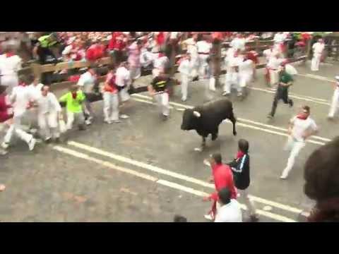 La curva de la muerte en los Sanfermines de Pamplona 2012