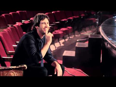 Josh Groban - Behind The Scenes At The Photoshoot For Stages [EXTRAS]